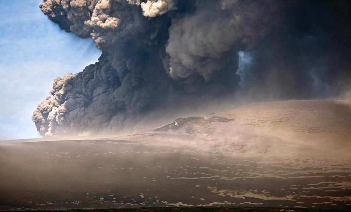 Eyjafjallajokull volcano 01