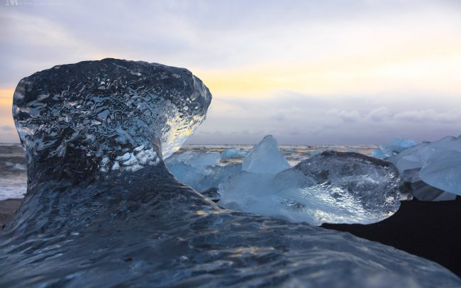 Gallery-Iceland-ice-on-the-shore-in-Jokulsarlon-17