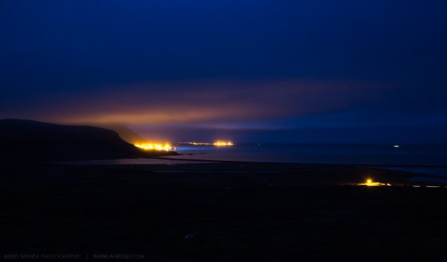 Gallery-Iceland-town-in-the-night-01