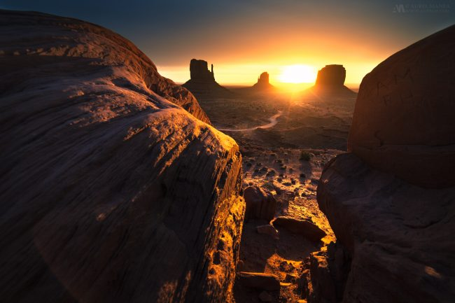 Gallery-Monument-Valley-sunrise-03