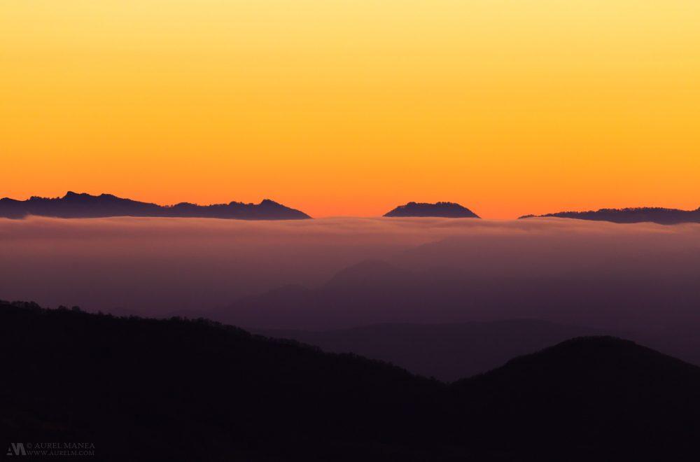 Gallery-Pyrenees-light-over-peaks-02