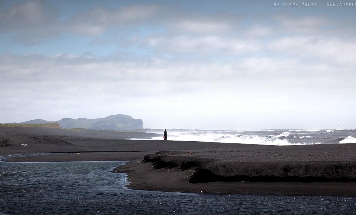 Iceland-black-beach-in-Vik-01