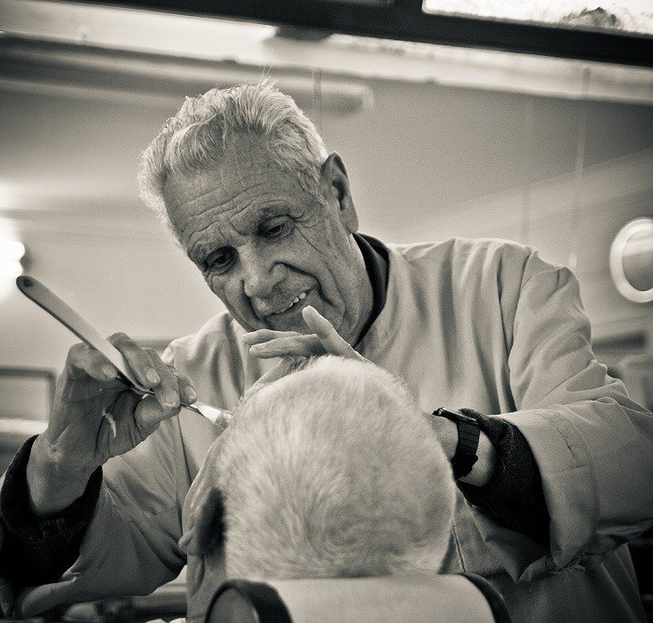 the-old-barber-in-Lisboa-07